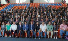 Abanderan a delegación que asistirá a los juegos deportivos de educación media superior
