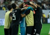 Con Ochoa como figura, México sufre y avanza a semifinales de Copa Oro