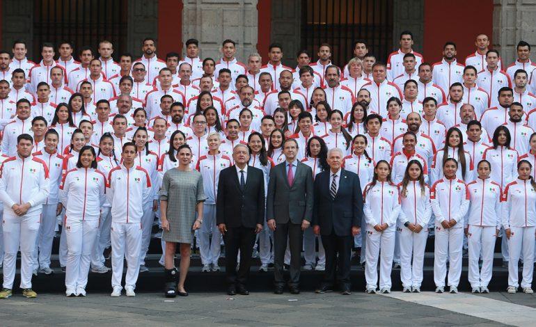 Abanderan a delegación mexicana que asistirá a Lima 2019