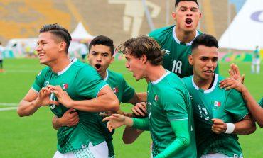 México resiste, con 10 hombres vence a Argentina