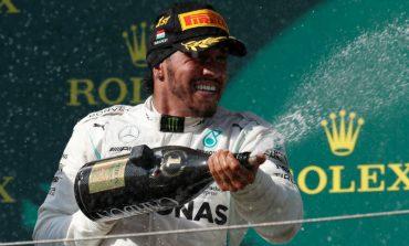 Hamilton arrebata triunfo a Verstappen
