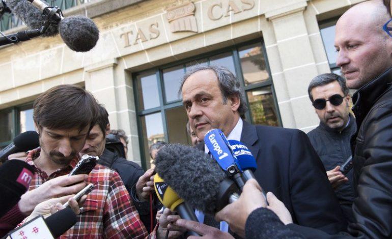 Platini planea regreso y lucha legal tras suspensión