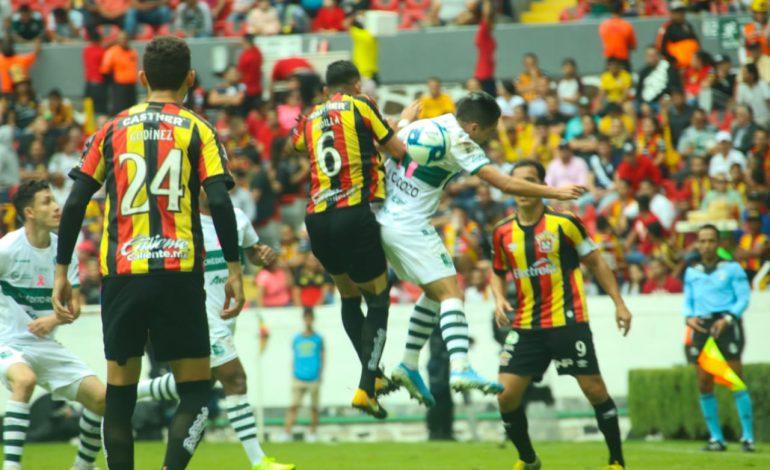 Zacatepec sorprende a Leones Negros y es semifinalista