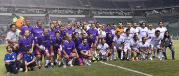 "Cuauhtémoc Blanco vence a Ronaldinho en el ""Coruco"" Díaz"