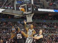 Spurs sufre para ganar en tiempo extra 121-119 a Suns
