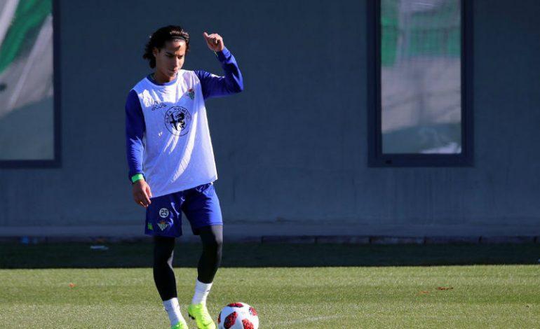 Betis planea ceder a Diego Lainez para la siguiente campaña