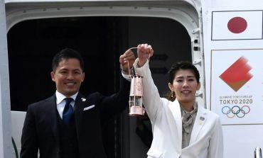 La llama olímpica aterrizó en Japón acompañada de muchas dudas