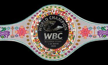 Honra CMB raíces mexicanas con cinturón de campeón