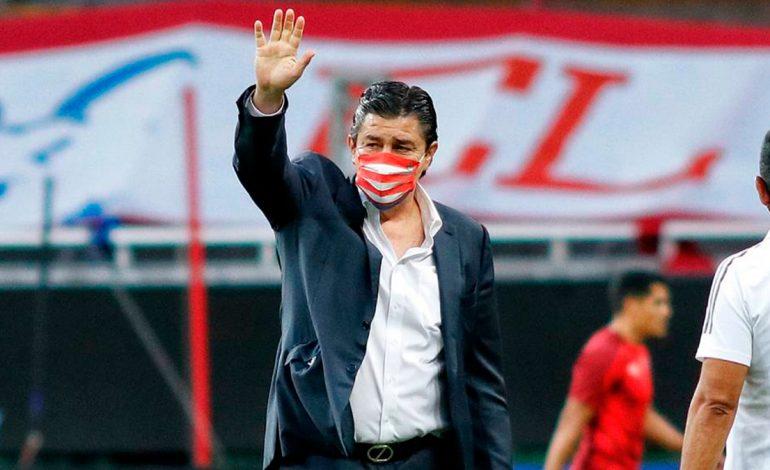 ¡Adiós Flaco! Chivas despide a Luis Fernando Tena