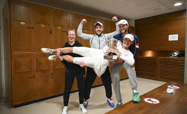 Swiatek gana Roland Garros y logra un título histórico para el tenis polaco