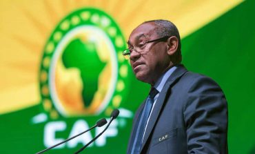 FIFA suspende a jefe del fútbol africano por cinco años