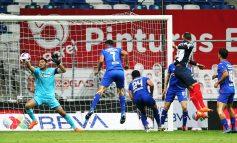 Cruz Azul en picada, pierde ante Monterrey