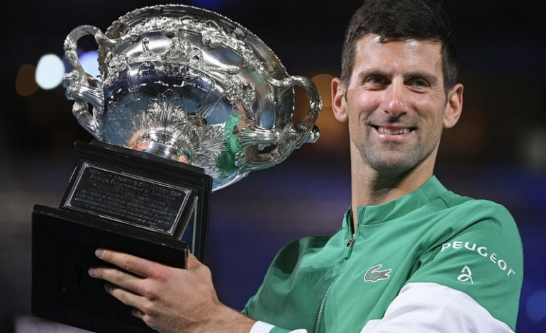 Djokovic vence a Medvedev y gana su 9no Abierto de Australia
