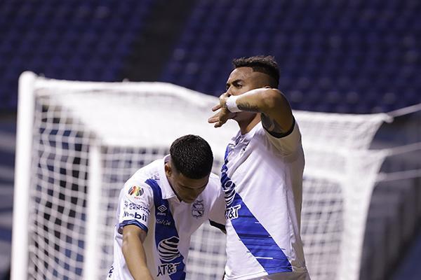 Puebla vence a Necaxa y sigue en zona de liguilla