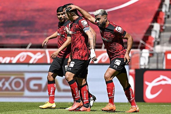 Toluca golea a Mazatlán y es el líder del Guard1anes 2021